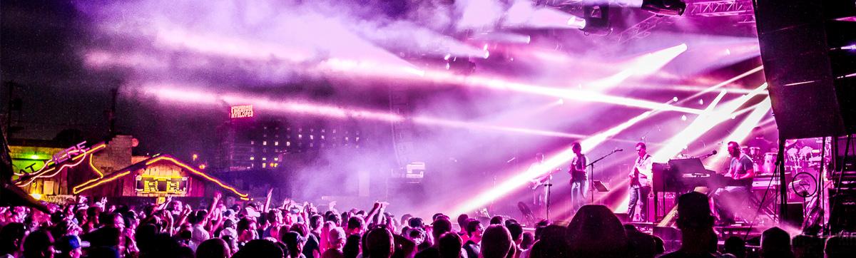 Crossroadskc Kansas City S Premier Outdoor Live Music Venue